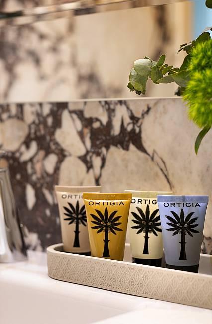 Ortigia vanity set